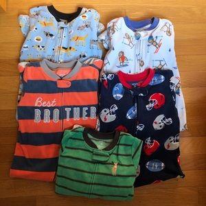 Boy 2t Carter's fleece pajama bundle